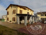 Immagine di Villino con area cortiliva con cantina in Reggio Emilia (RE)