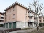 Immagine di Appartamento al piano primo con cantina ed autorimessa in Reggio Emilia (RE)