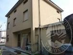 Immagine di Abitazione con ampia autorimessa e laboratorio artigianale in Correggio (RE)