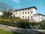 Immagine di Unita' abitativa ai piani primo e secondo con posto auto coperto in Desenzano (BS)