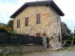 Immagine di Fabbricato con corte esclusiva in Vezzano sul Crostolo (RE)
