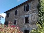 Immagine di Fabbricato abitativo con cantina ed area cortiliva in Castelnovo ne' Monti (RE)