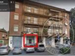 Immagine di Negozio con bagno, retro e cantina in Reggio Emilia (RE)