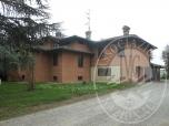 Immagine di Due appartamenti, autorimesse e cortile comune in Rubiera (RE)