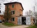 Immagine di Abitazione di quattro piani con autorimessa ed area cortiliva in Baiso (RE)