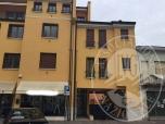 Immagine di Appartamento al piano primo con cantina ed autorimessa in Suzzara (MN)