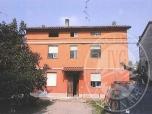 Immagine di Fabbricato abitativo con autorimessa ed area cortiliva in Campagnola Emilia (RE)