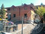 Immagine di Appartamento al piano rialzato con cantina ed autorimessa in S. Polo d'Enza (RE)