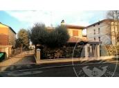 Villetta su due livelli con cantina e due posti auto scoperti in S. Prospero, Reggio Emilia (RE)