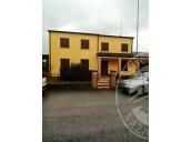 Villa abbinata su due piani con autorimessa ed area cortiliva in Luzzara (RE)