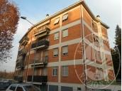 Appartamento al piano secondo con cantina ed autorimessa in Reggio Emilia (RE) - zona Canalina