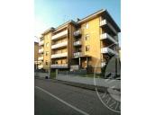 Appartamento al piano secondo con cantina ed autorimessa in Luzzara (RE)