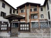 Appartamento al piano secondo con autorimessa, cantina ed area cortiliva in Viano (RE)