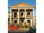 Terreno edificabile con immobile in corso di costruzione in Brescello (RE)