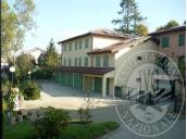 Appartamento al piano primo con cantina, autorimessa e deposito in Carpineti (RE)