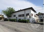 Appartamento al piano primo con autorimessa in Brescello (RE)