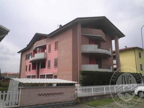 Appartamento su due livelli con autorimessa in Cella, Reggio Emilia (RE)
