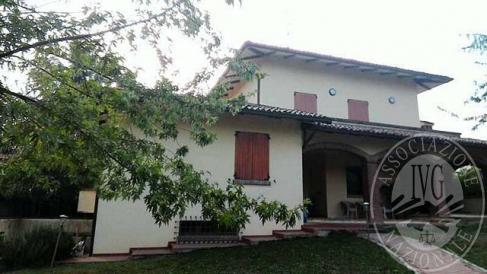 Ampio appartamento in villa con garage in Albinea (RE)