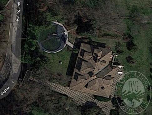 Villa unifamiliare con piscina e parco in Albinea (RE)