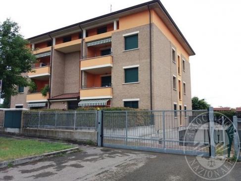 Appartamento al piano terra con cantina e garage in Reggio Emilia (RE)