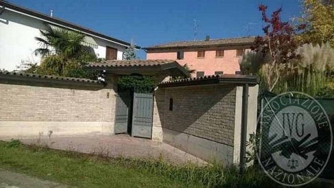 Complesso immobiliare composto da due fabbricati in Reggio Emilia (RE)