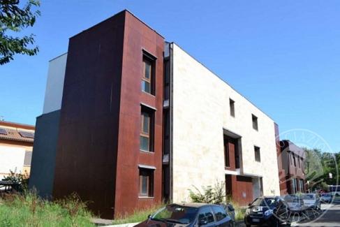 Quattro alloggi posti in immobile demolito e non completamente ricostruito in Reggio Emilia