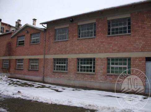 Piena propriet� di 3 fabbricati e box annessi per attivit� di allevamento in San Polo d'Enza (RE)