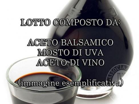 Lotto composto da aceto di vino, mosto d'uva e aceto balsamico