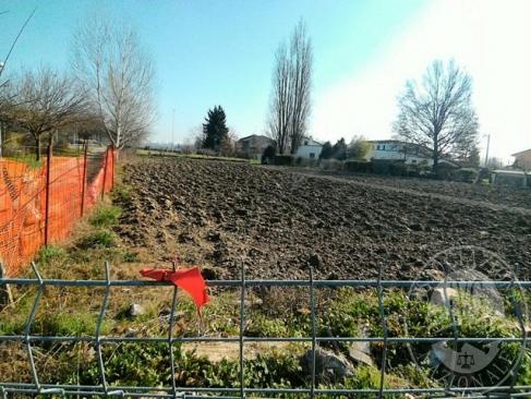Terreno edificabile con destinazione direzionale in Reggiolo (RE)