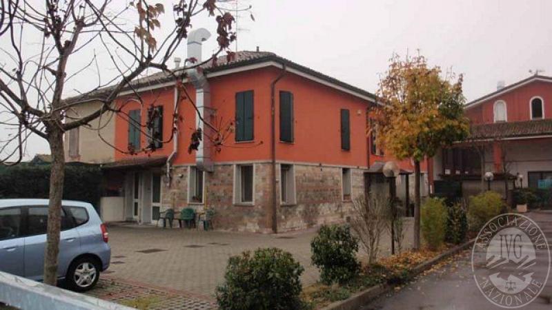 Appartamento posto al piano primo e sottotetto in reggio - Posto letto reggio emilia ...