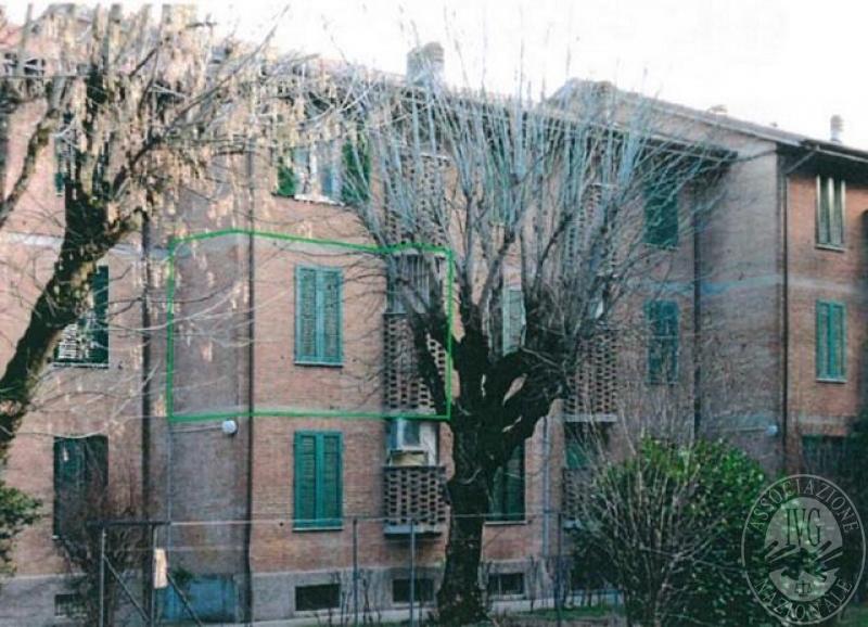 Appartamento posto al piano primo con cantina in reggio - Posto letto reggio emilia ...