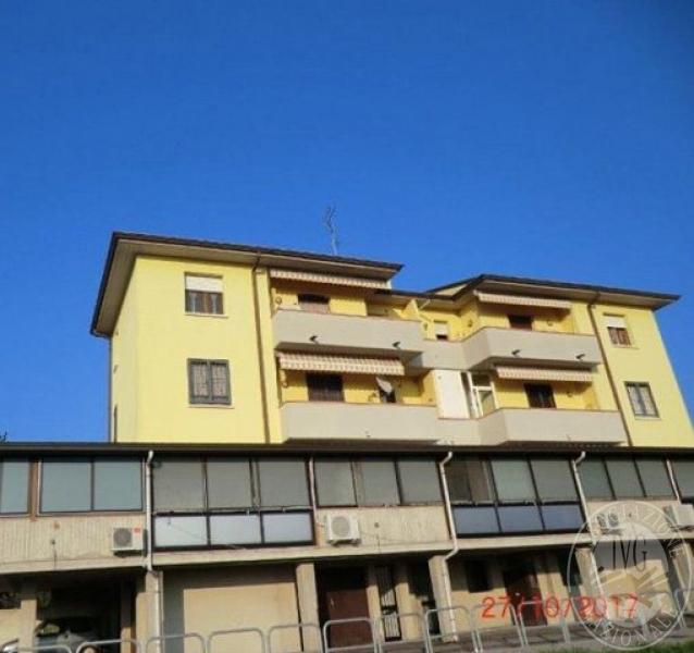 Unita 39 abitativa al piano terzo con garage e cantina in for Garage con al piano di sopra